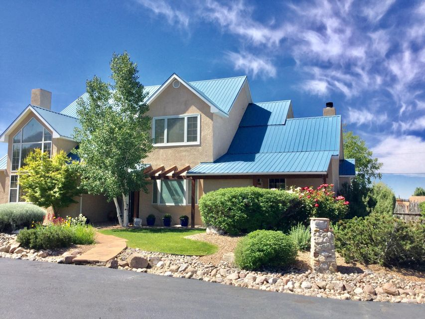 9602 Del Arroyo Court NE, Albuquerque, NM 87122