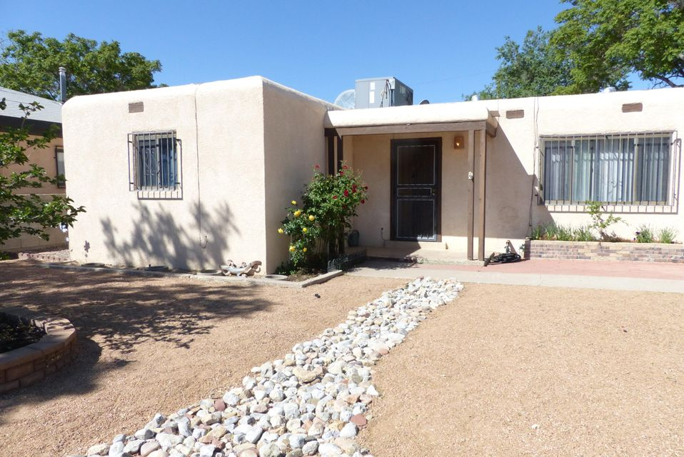 309 60th Street NW, Albuquerque, NM 87105