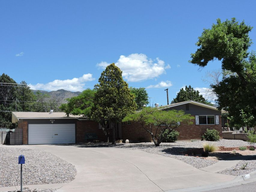 10312 Santa Maria Court NE, Albuquerque, NM 87111
