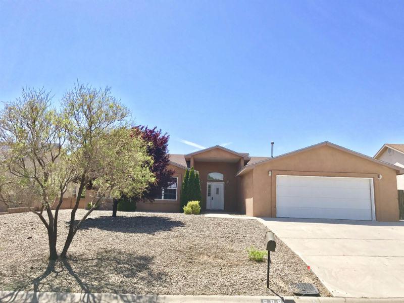 689 Chaps Road SE, Rio Rancho, NM 87124