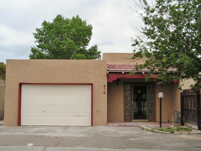 616 Diez Y Ocho Court SE, Rio Rancho, NM 87124