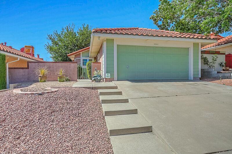 10301 Oso Redondo NE, Albuquerque, NM 87111