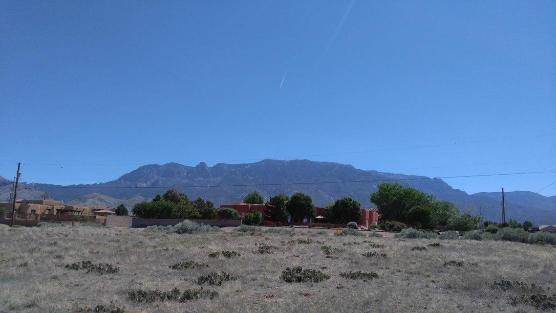 Oakland Avenue NE, Albuquerque, NM 87122