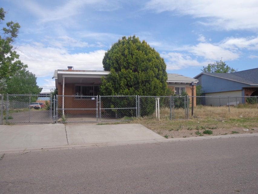 3940 Las Vegas Drive SW, Albuquerque, NM 87105