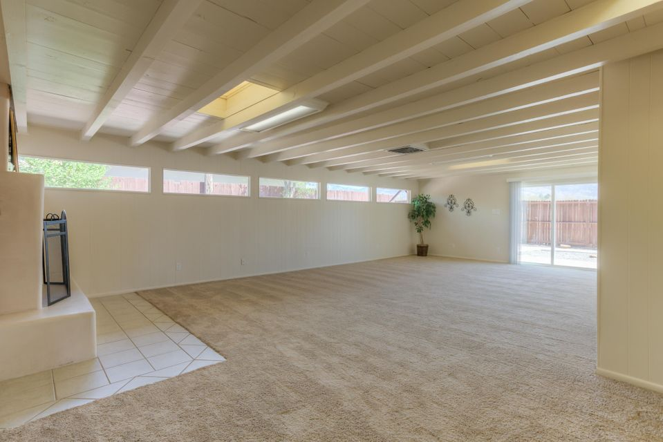 1000 Luthy Circle NE, Albuquerque, NM 87112