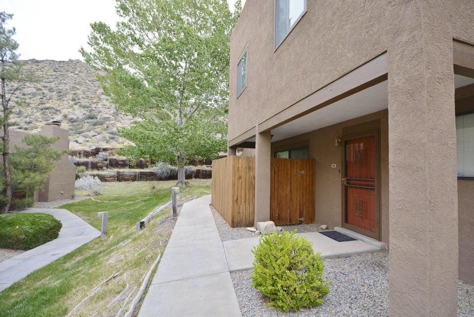 2900 Vista Del Rey NE 8B, Albuquerque, NM 87112