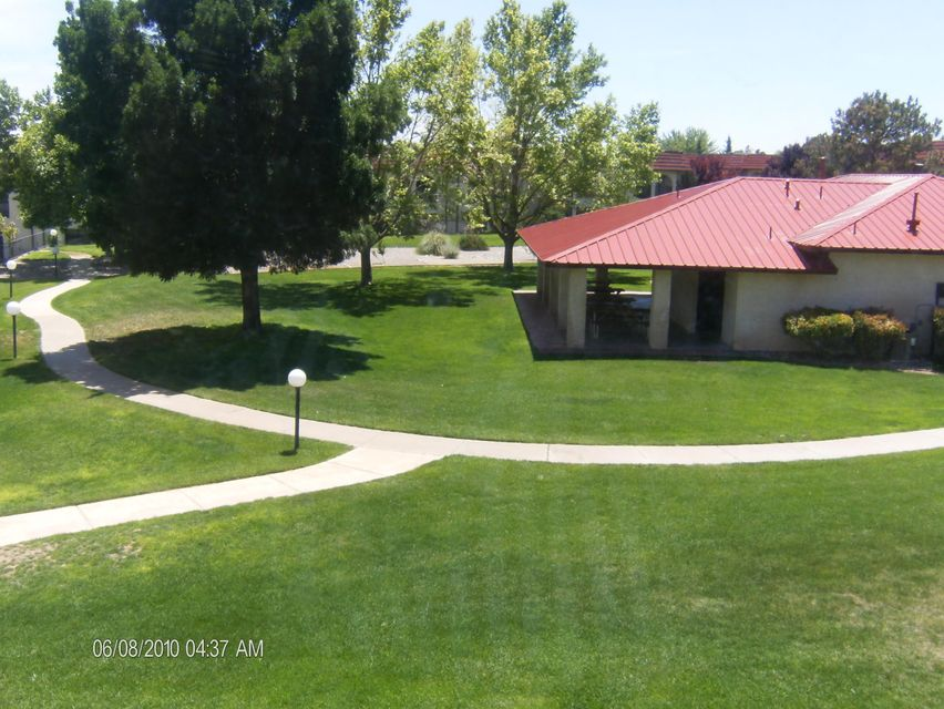825 Country Club Drive SE APT 2E, Rio Rancho, NM 87124