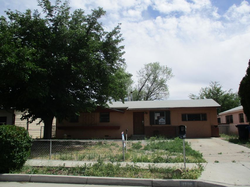 1716 Prospect Avenue NW, Albuquerque, NM 87104