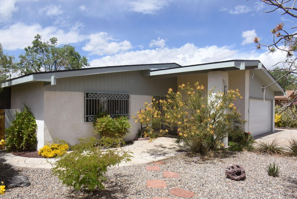 7801 Buckboard Avenue NE, Albuquerque, NM 87109