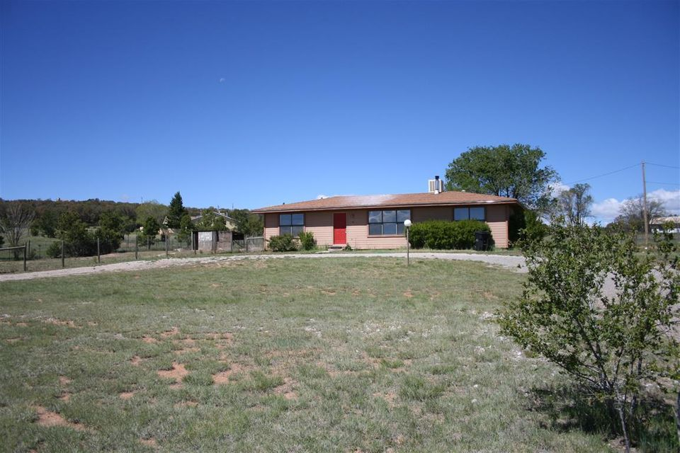 10 Entrada Del Norte, Edgewood, NM 87015