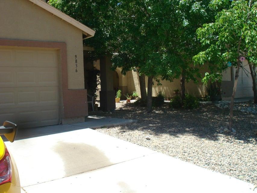 9836 SW Pinot Nor Avenue SW, Albuquerque, NM 87121