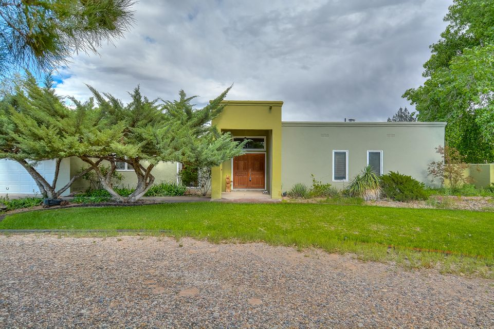 5616 Don Felipe Court SW, Albuquerque, NM 87105