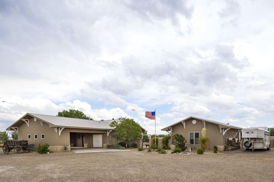 1262 Sichler Road SW, Los Lunas, NM 87031