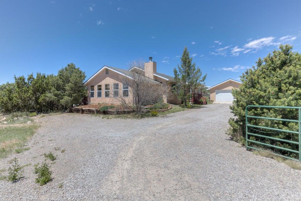 2 Rama Court, Tijeras, NM 87059