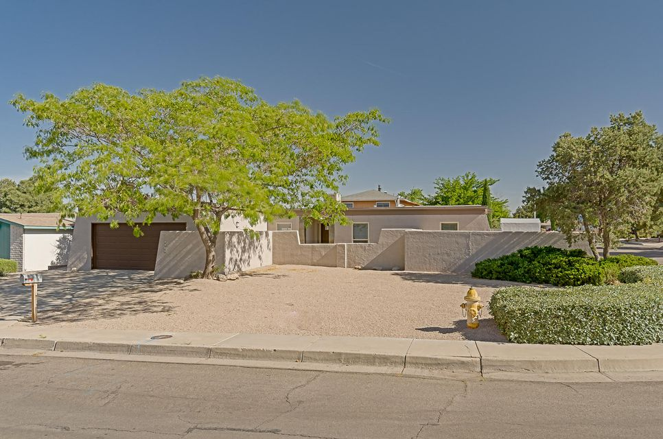 6507 Avenida La Costa NE, Albuquerque, NM 87109
