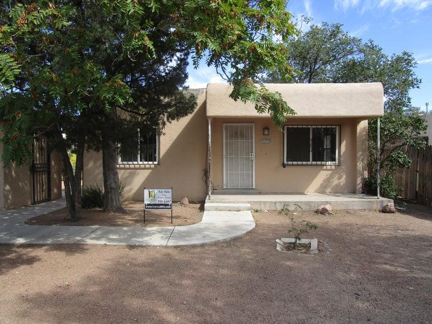 328 Charleston Street NE, Albuquerque, NM 87108