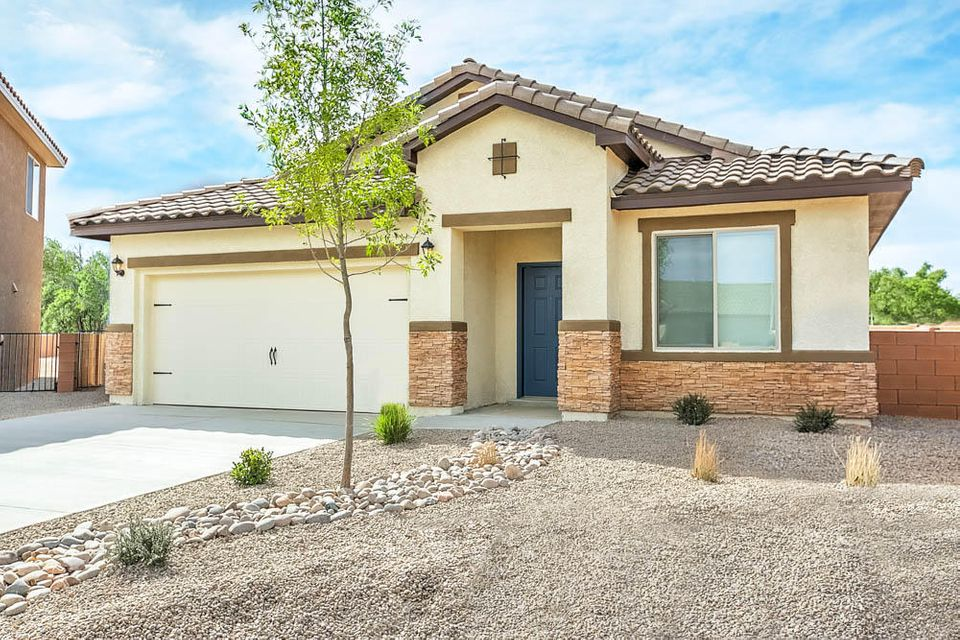 209 Anna Maria Place SW, Albuquerque, NM 87105