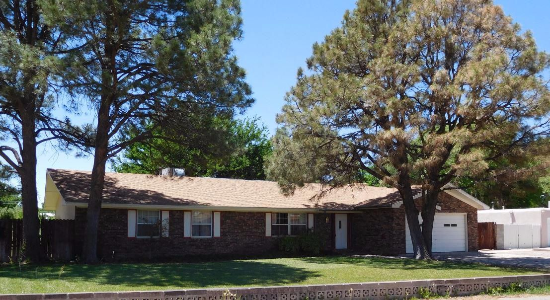 512 Golden Meadow Drive NW, Albuquerque, NM 87114