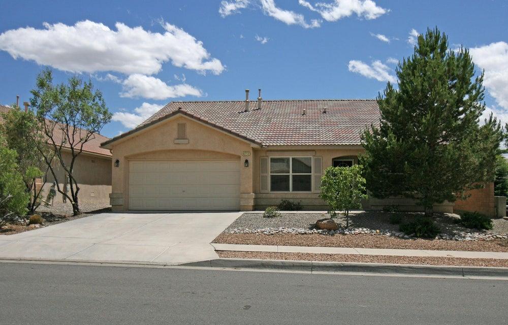 8712 Hampton Avenue NE, Albuquerque, NM 87122