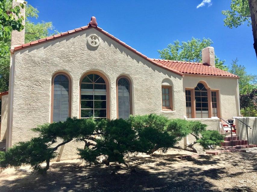 1409 Las Lomas Road NE, Albuquerque, NM 87106