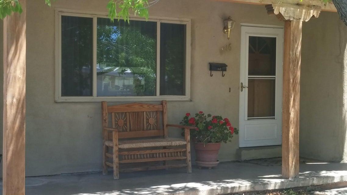 916 Jefferson Street NE, Albuquerque, NM 87110