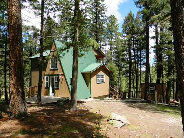 53 Chipmunk Trail, Jemez Springs, NM 87025