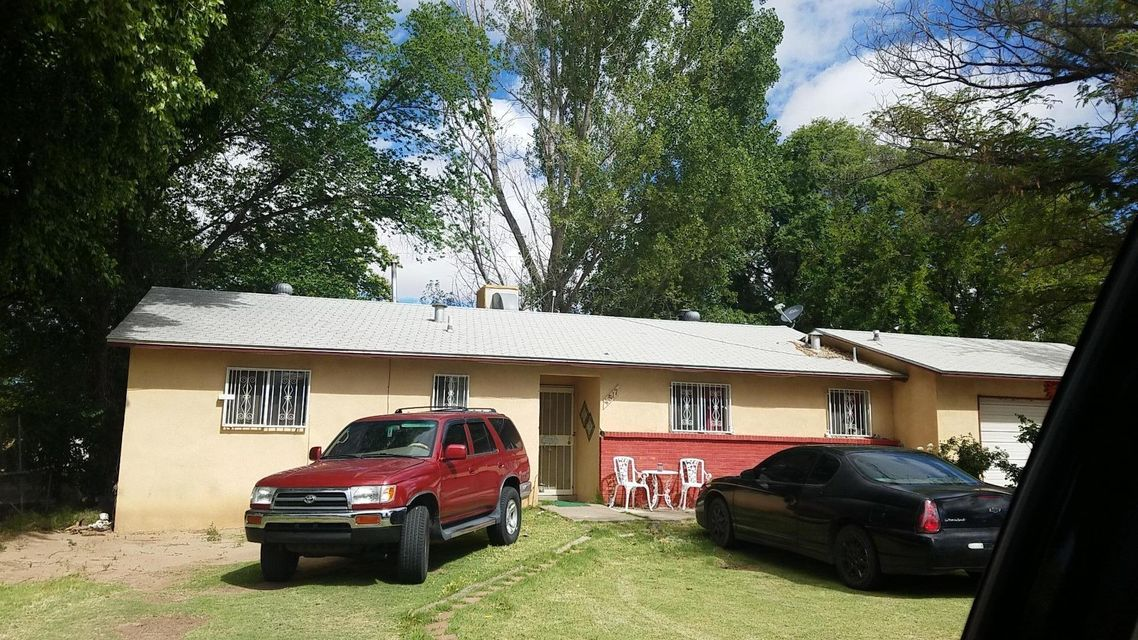 4517 Sun Valley Drive SW, Albuquerque, NM 87105