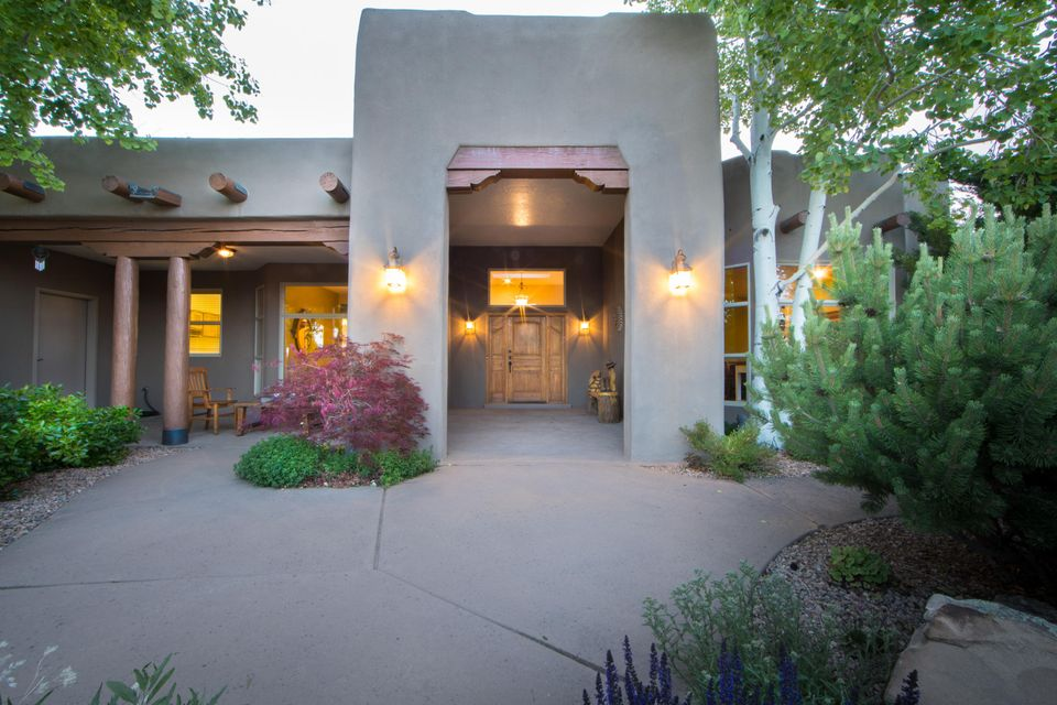 12 Western Saddle Court, Tijeras, NM 87059