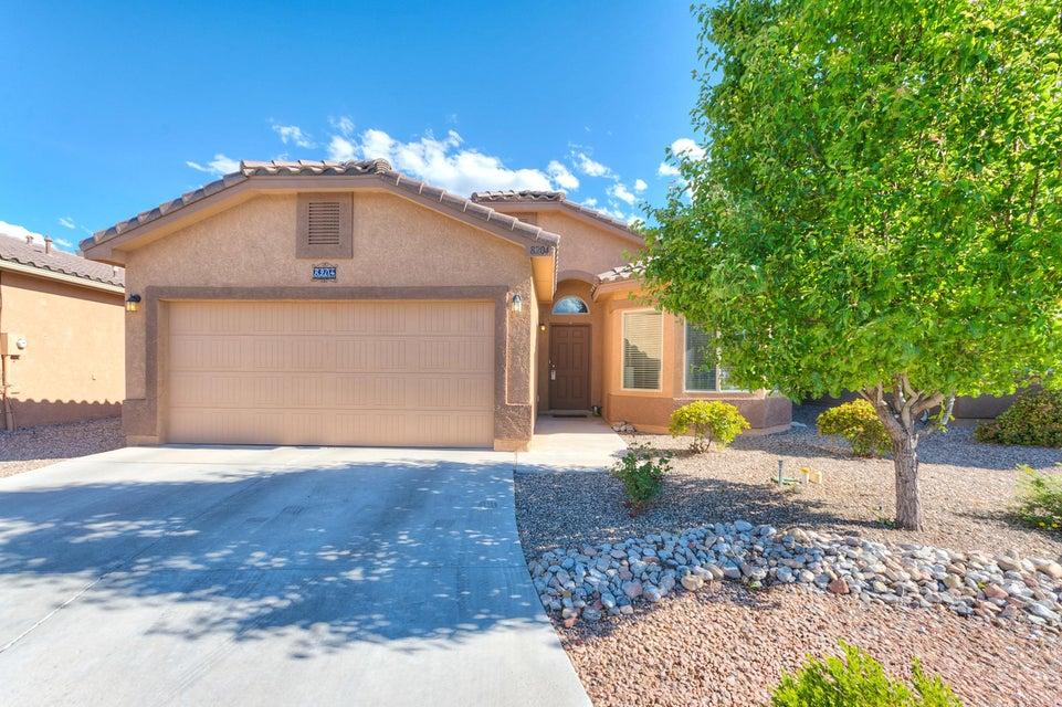 8204 Mock Heather Road NW, Albuquerque, NM 87120