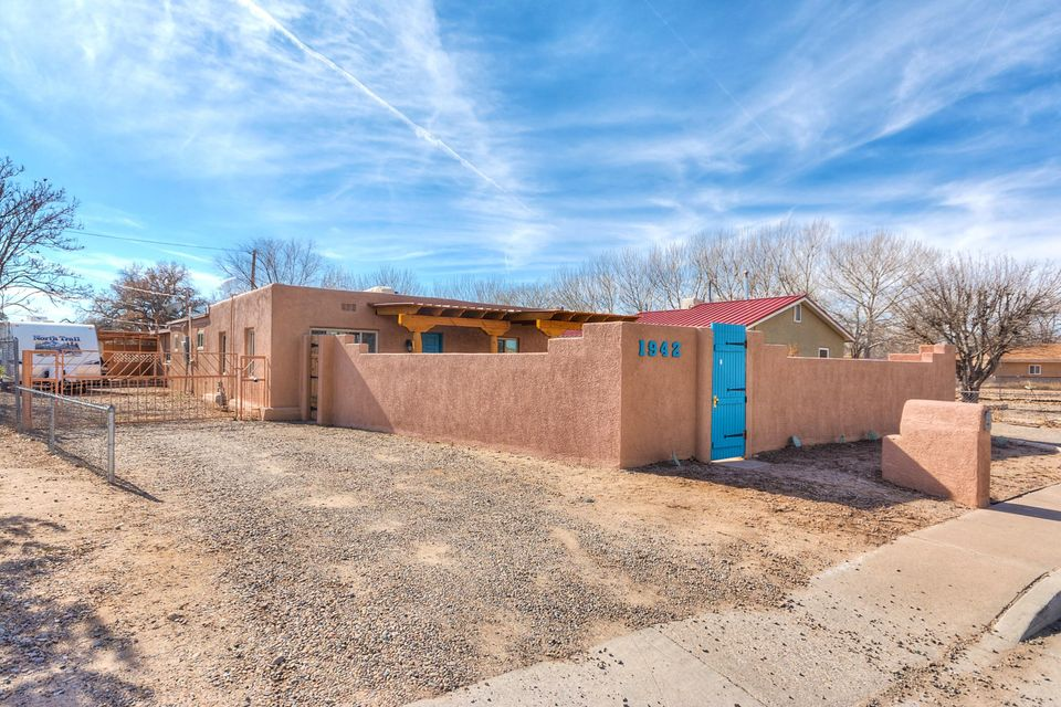 1942 Cherokee Road NW, Albuquerque, NM 87107