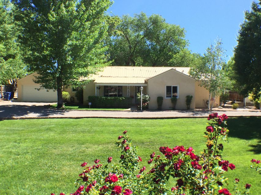 2548 Candelaria Road NW, Albuquerque, NM 87107