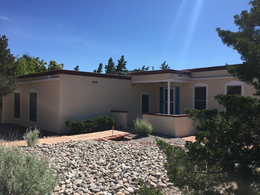 747 Parkside Drive NE, Albuquerque, NM 87123