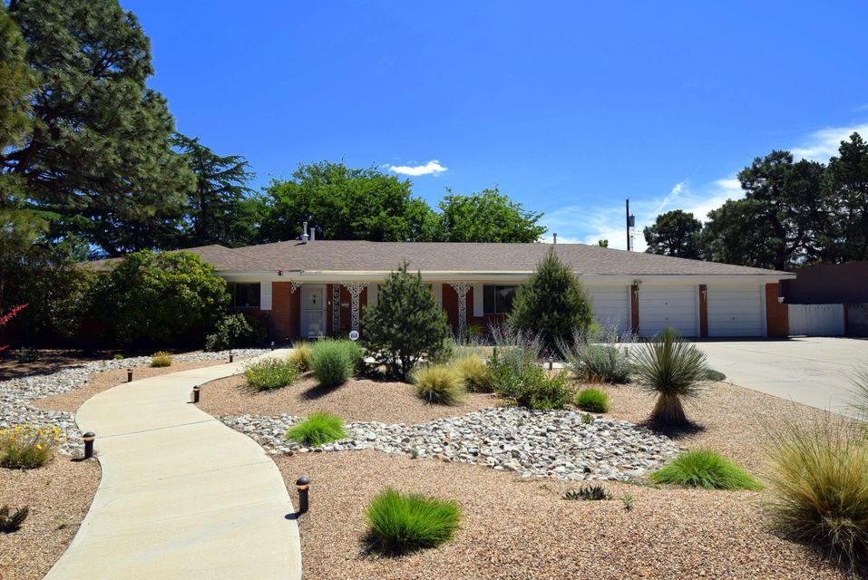 3112 Charleston Street NE, Albuquerque, NM 87110