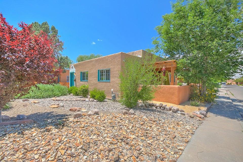 227 Amherst Drive NE, Albuquerque, NM 87106