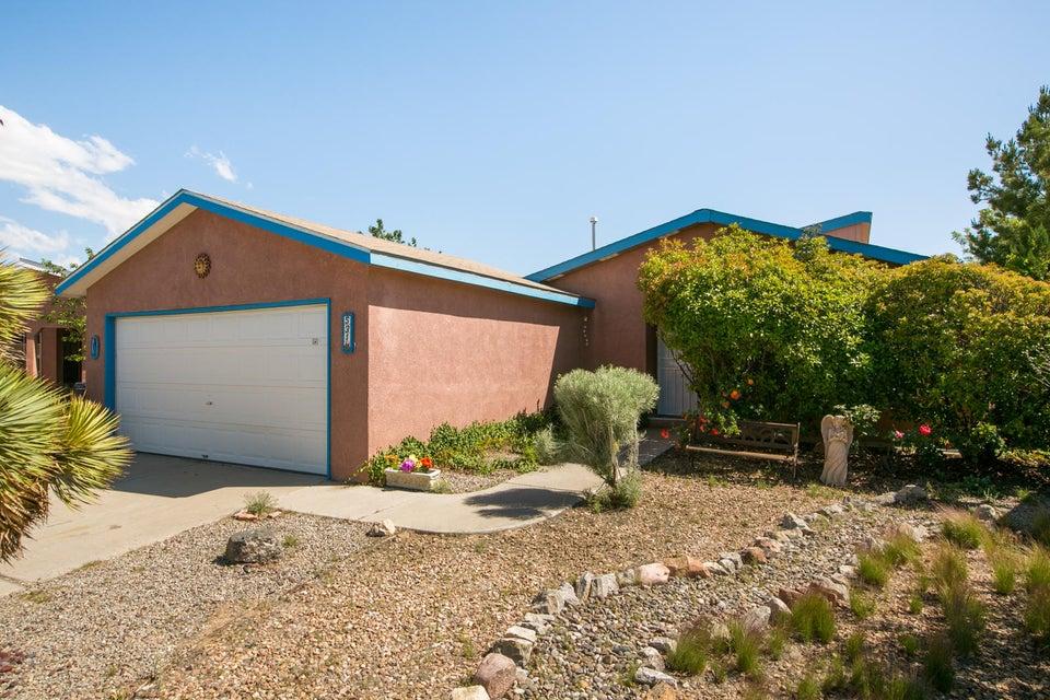 531 Saint James Place SW, Albuquerque, NM 87121
