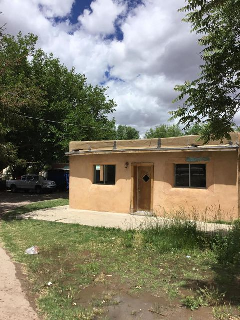 2105 Five Points Road SW, Albuquerque, NM 87105