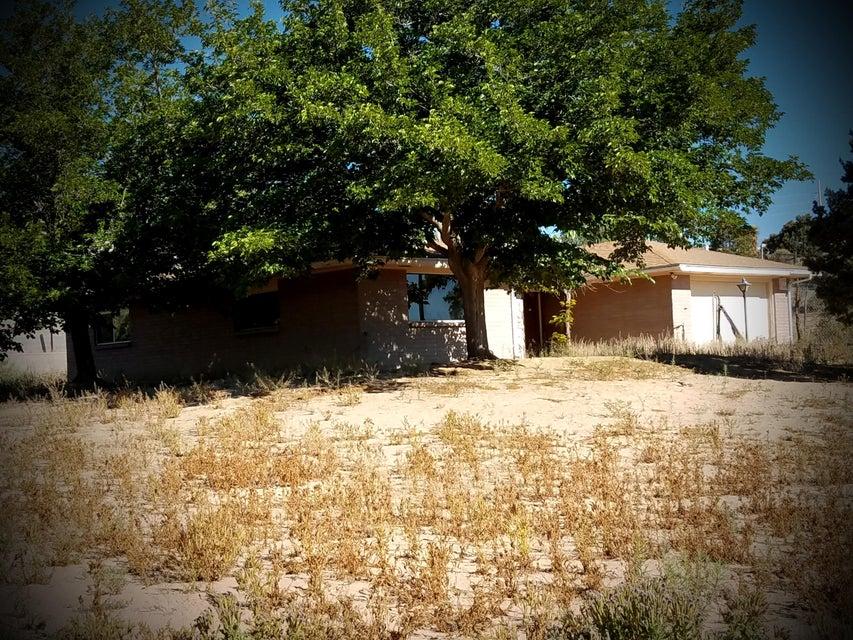 355 El Rey Drive, Corrales, NM 87048