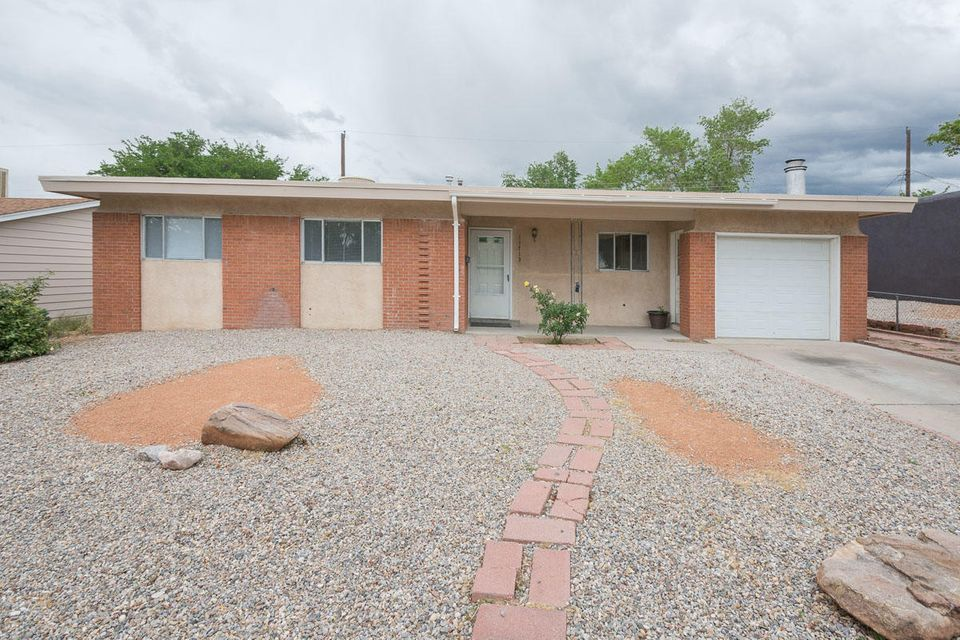 11713 Copper Avenue NE, Albuquerque, NM 87123
