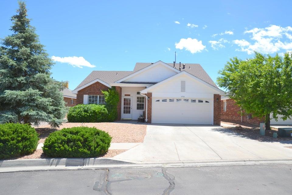 6904 Easton Place NW, Albuquerque, NM 87114