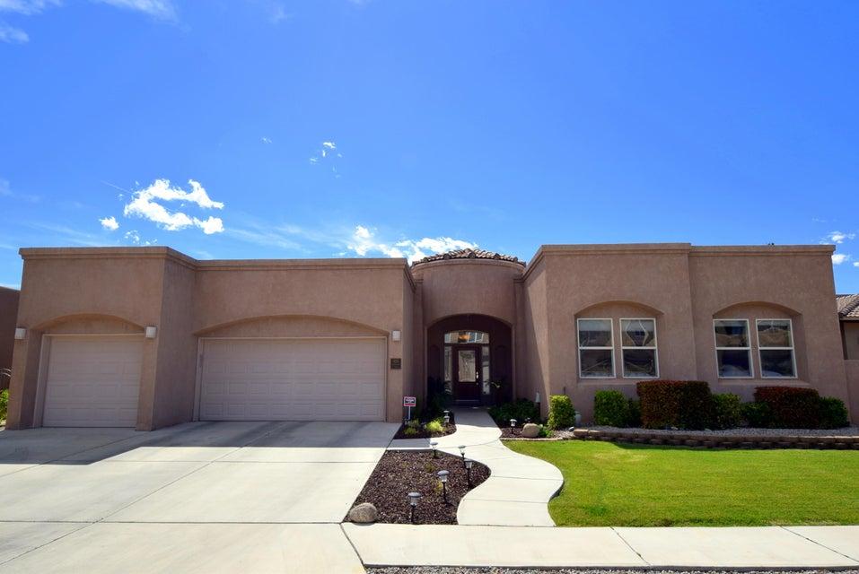 8215 Grape Vine Court NE, Albuquerque, NM 87122