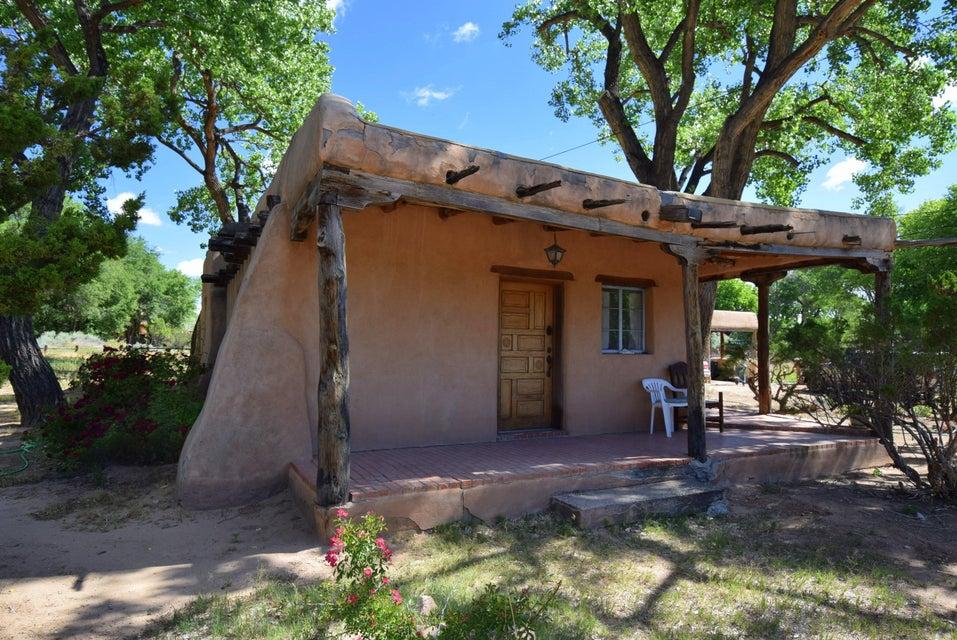 353 E La Entrada, Corrales, NM 87048