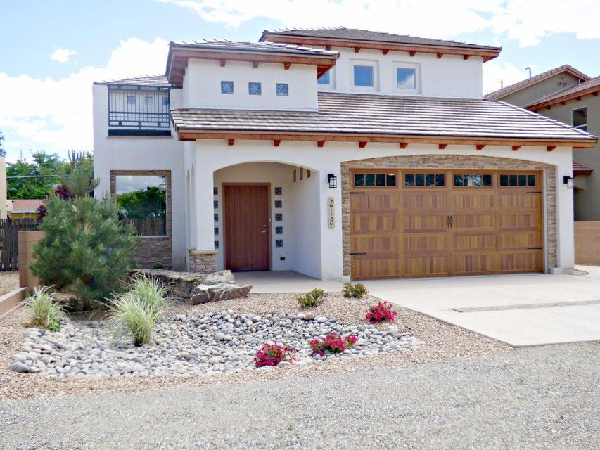 218 NICO Trail NW, Los Ranchos, NM 87114