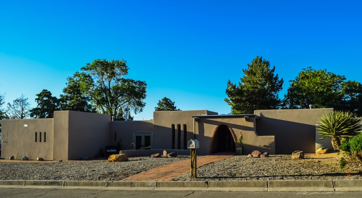 900 BRAZOS Place SE, Albuquerque, NM 87123