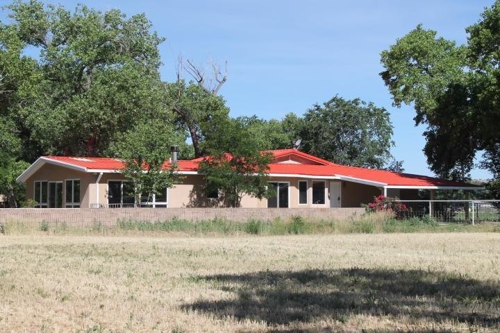 4 Gibby Lane, Belen, NM 87002