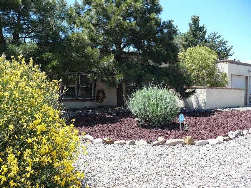 3415 Candlelight Drive NE, Albuquerque, NM 87111