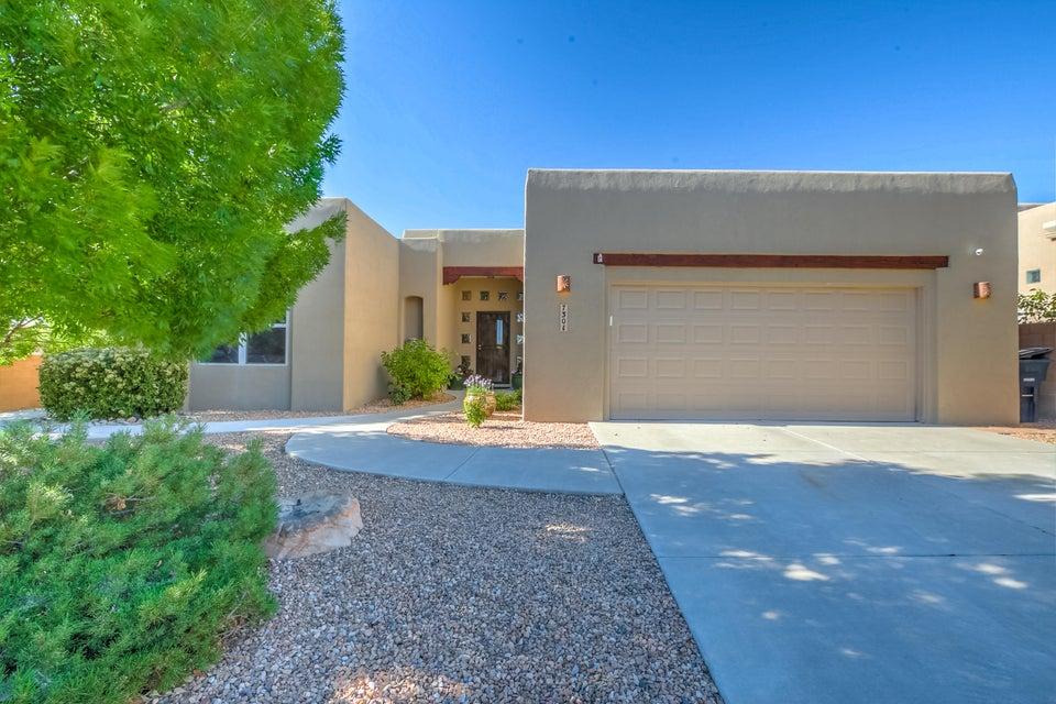 7301 Hawthorn Avenue NE, Albuquerque, NM 87113