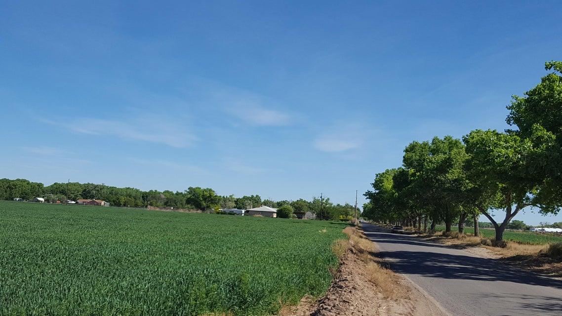 172 Edeal Road, Los Lunas, NM 87031