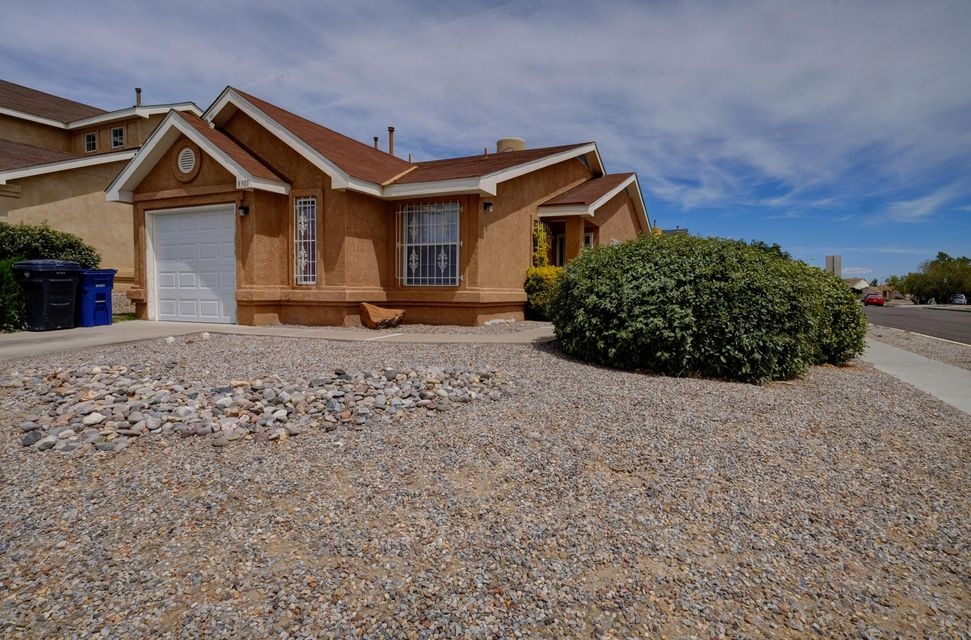 8301 Wynview Court NW, Albuquerque, NM 87120
