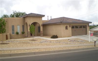 518 Regina Drive NW, Albuquerque, NM 87105