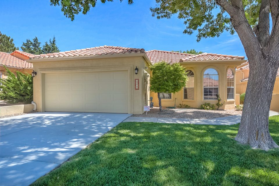 1104 PINNACLE VIEW Drive NE, Albuquerque, NM 87112